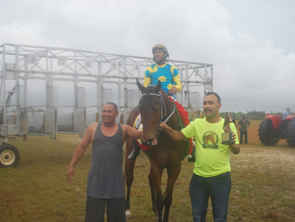 https://horseracingbelize.com/Padrino Wins The Castleton Derby